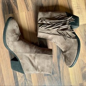 Alpine Swiss brown fringe ankle boots size 7